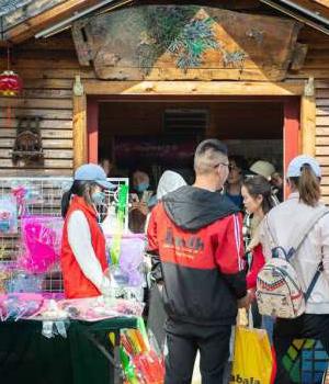 五一假期:蕭湖景區到處是他們的身影